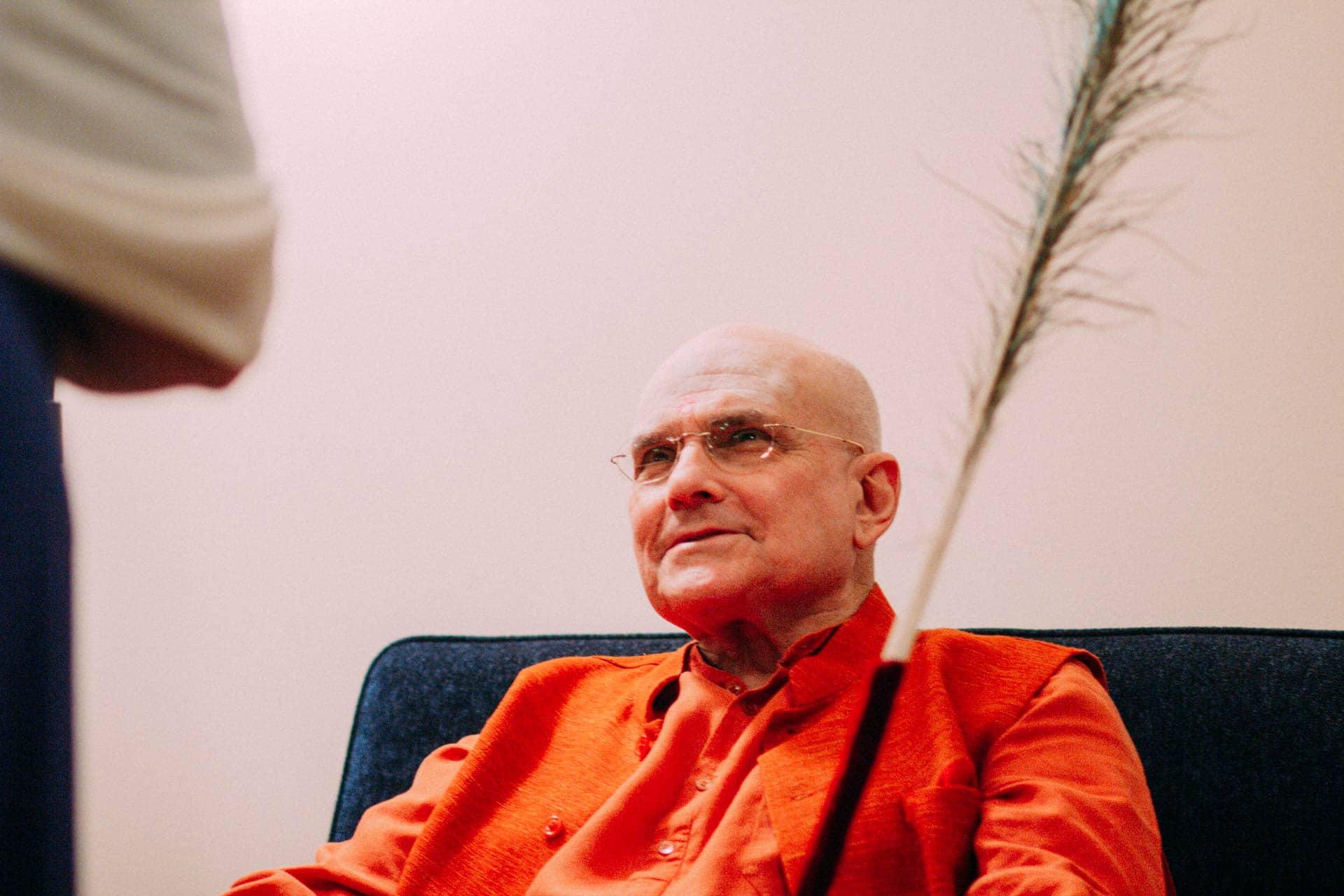 Swami Shankarananda during a meditation retreat at The Ashram Mt Eliza