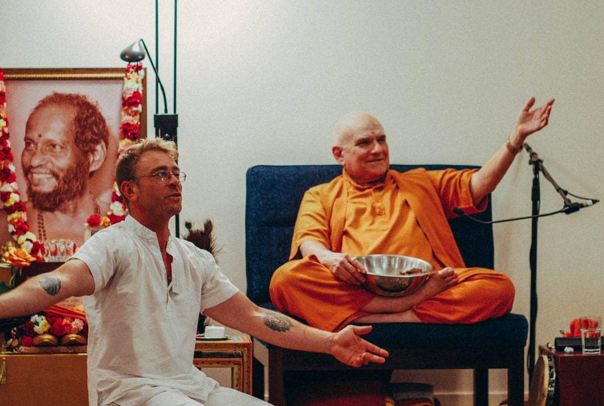 Swami Shankarananda and a resident ashramite at the end of the Meditation Intensive